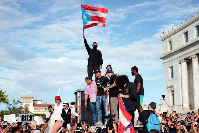 Ricky Martin (au centre) et le rappeur Bad Bunny ont participé aux manifestations.