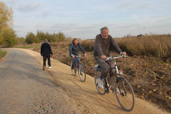 Fietsend of wandelend de streek verkennen: daarvoor bestaan in Brakel nu twee nieuwe routes.