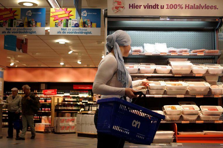 Halalvlees bij een filiaal van Albert Heijn in Leidschendam. Beeld anp