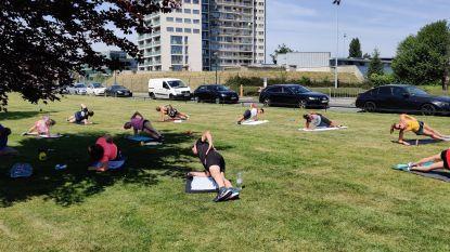 Sporten in het zonnetje met afstand en ontsmettingsalcohol: Fyzix traint buiten