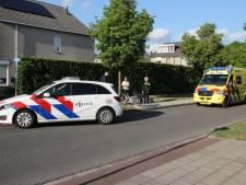 Klapband met vervelende gevolgen: fietsster in Nijverdal gewond naar ZGT
