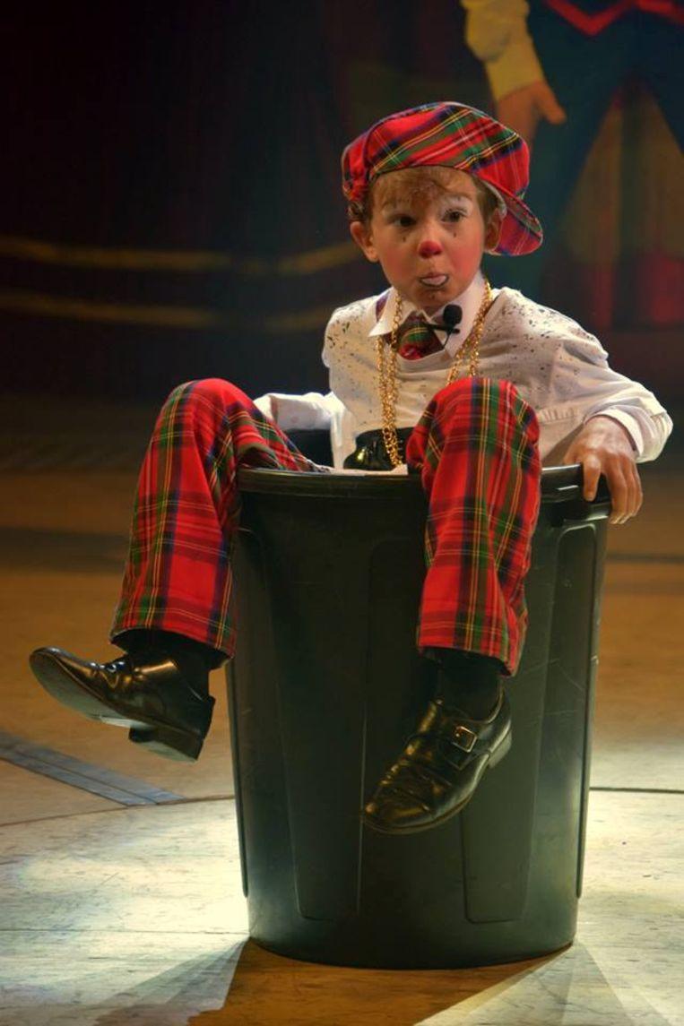 Een act tijdens de nieuwe show van Circus Barones