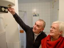 Energiecoaches geven in flats besparingsadvies