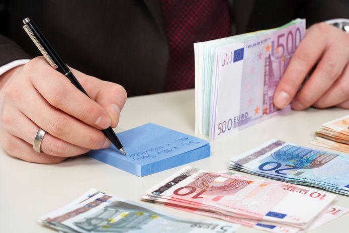 stockadr boekhouding boekhouden administratie geld euro fraude rekenen calculatie faillissement failliet witwassen