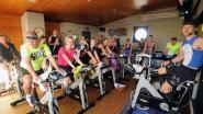 Joggers op de fiets zamelen 1.355 euro in voor goede doel