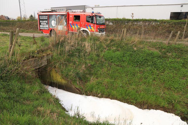 De vervuiling had zich al verspreid over een lengte van zes kilometer.