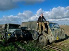 Trucks van Remco Prooij staat pontificaal langs Zuidzijdsedijk geparkeerd