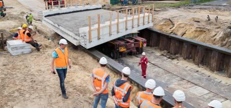 Nieuw viaduct N348 bij Lemelerveld succesvol geplaatst