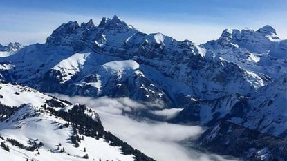 Opnieuw lawine in Franse Alpen: twee Nederlandse studenten overleden, derde nog vermist