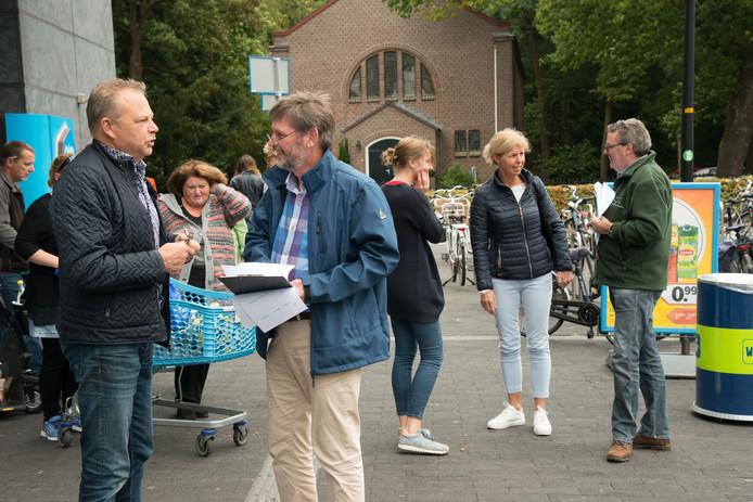 Raadsleden gingen in september de straat op, om met burgers in gesprek te gaan over het groen in de gemeente Ermelo.