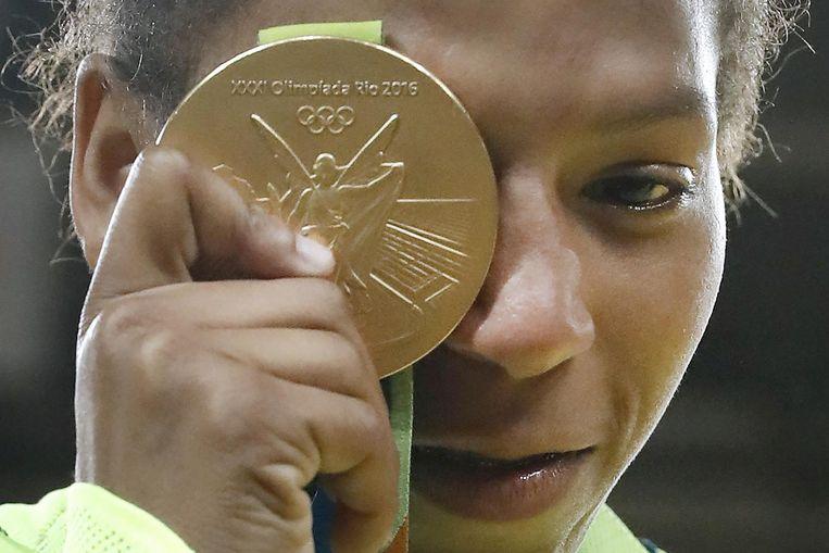 Judoka Rafaela Silva met haar gouden medaille Beeld afp
