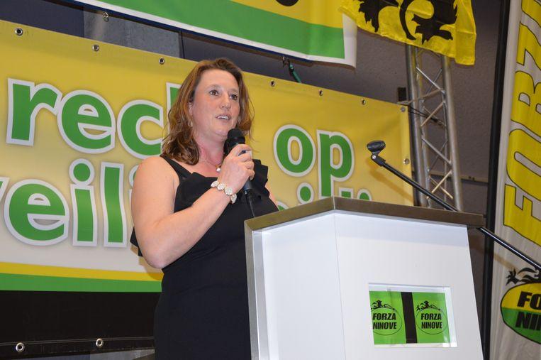 Ilse Malfroot, voorzitter van Forza Ninove, tijdens haar speech op de nieuwjaarsreceptie.