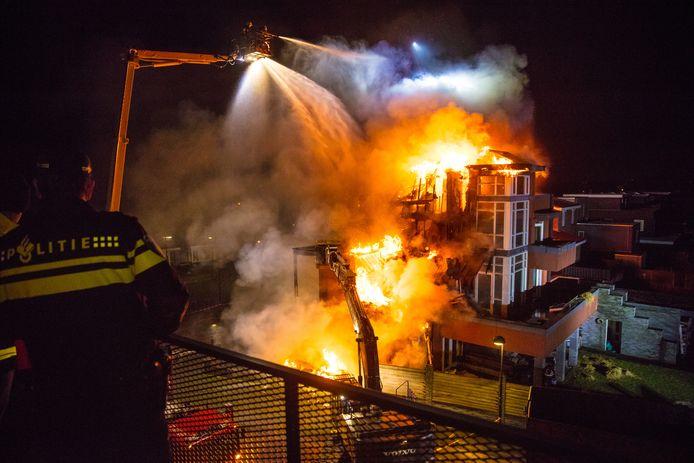 De woningbrand vond plaats op de Rietkamp in Kampen.
