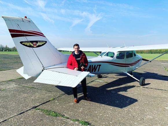 Brian De Geest maakt gebruik van dit vliegtuigje om zijn foto's te nemen.