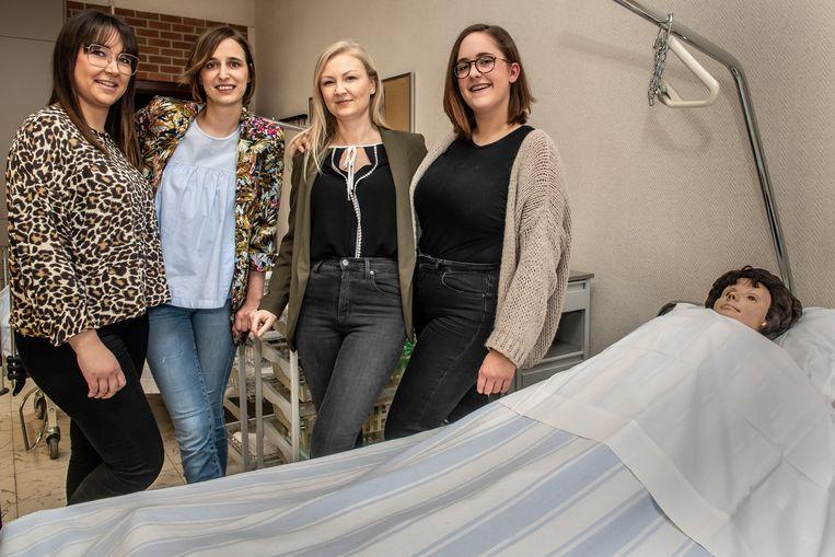 Fauve Van Betsbrugge, Chau Herreman, Virginie Leroy en Margo Seynhaeve trekken eind juni naar Rwanda om vrijwillig te helpen bij opvangtehuis Chez Marraine.