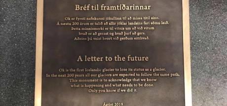 Gedenksteen voor gletsjer: 'We weten wat we moeten doen, maar doen we het ook?'