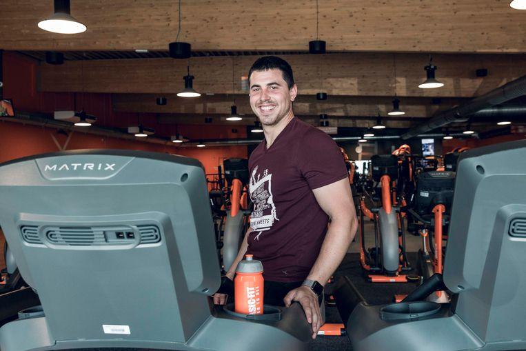 Sportcoach Dimi uit Genk geeft tips voor sporten bij hete temperaturen.