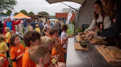 Brood en Gezondheid promoot brood op Melse scholenveldloop