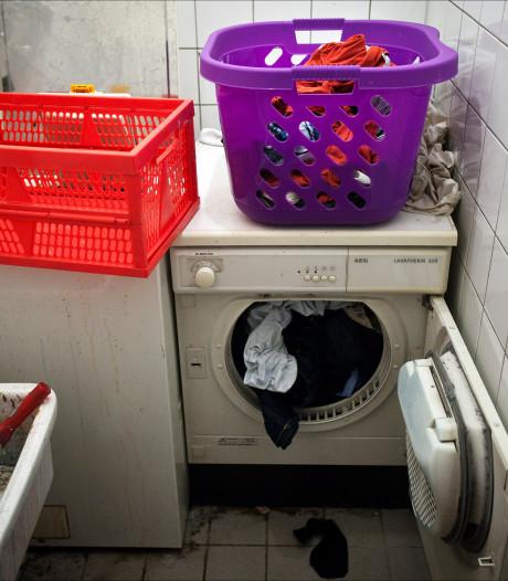 Brandweer bevrijdt meisje (9) uit wasmachine door benen in te smeren