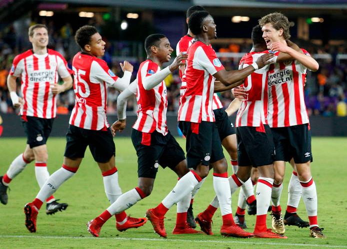 Sam Lammers scoorde tegen Corinthians voor PSV: 1-1.