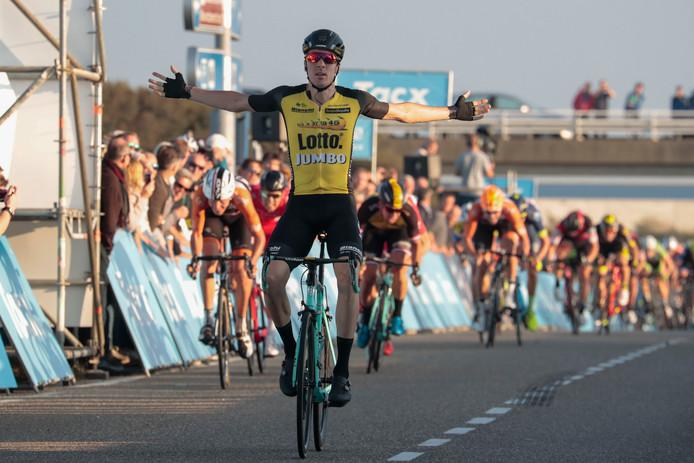 Timo Roosen wint de Tacx Pro Classic in Zeeland.