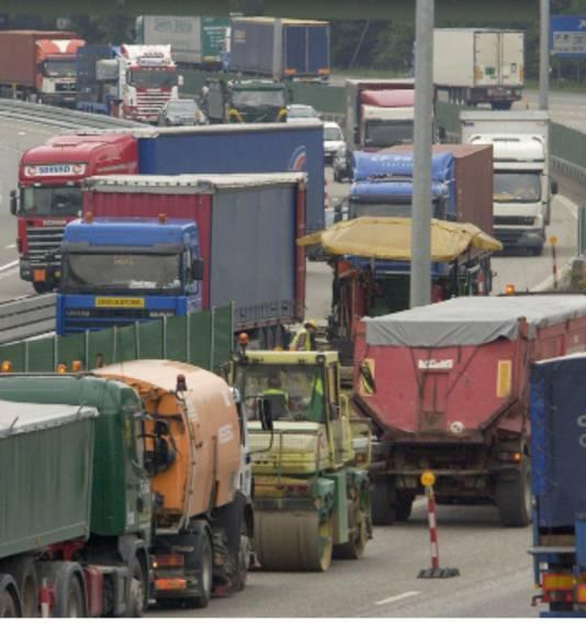 Drukte op de Ring rond Antwerpen tijdens werkzaamheden.