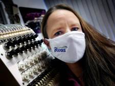 Borduurster Linda komt om in de bestellingen: 'Gepersonaliseerde mondkapjes zijn big business'