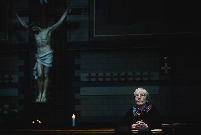 Gemma Crijns in haar kerk in Amsterdam. Beeld Freek van den Bergh