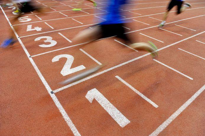 stockfoto atletiek atletiekbaan hardlopen sprint sprinten