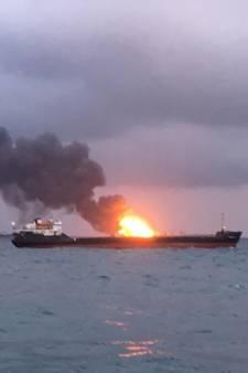 Zeker veertien doden bij brand op twee tankers Zwarte Zee