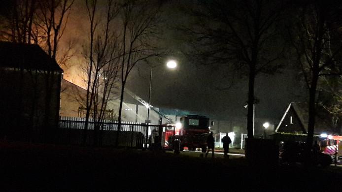 Hulpdiensten ter plekke bij brand Heusden