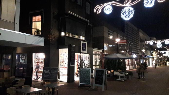 De gemeente Oss streeft naar meer woningen boven winkels in het centrum, zoals hier in de Walstraat.