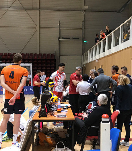 Europees volleybalduel in Doetinchem gestaakt na ballenblunder