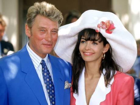 Pourquoi Adeline Blondieau a voulu vendre la robe de son mariage avec Johnny