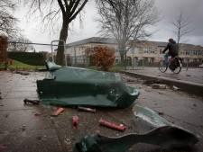 Opgeblazen vuilnisbakken en bushokjes: flink meer vuurwerkschade voor gemeenten