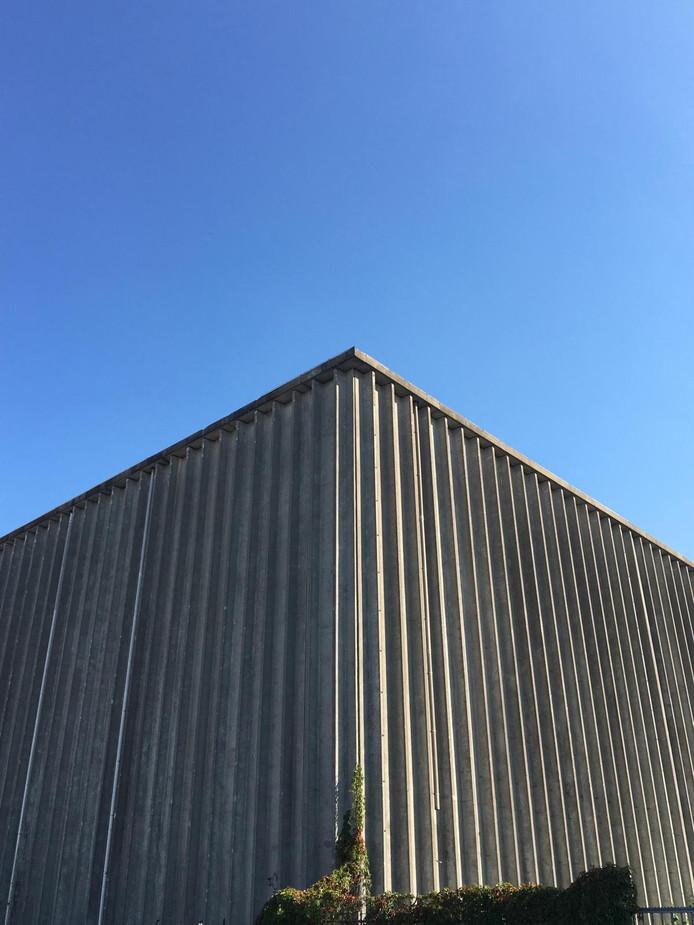 Het voormalige koelhuis van Campina aan de Dirk Boutslaan in Eindhoven wordt het nieuwe onderkomen van cultureel intiatiatief De Bank.