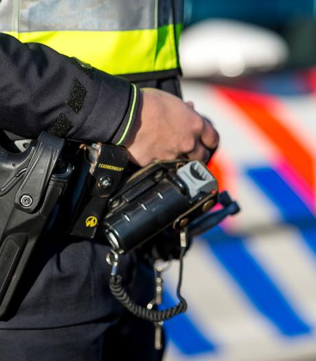 Twee mannen in Etten-Leur betrapt bij diefstal, politie beëindigt vluchtpoging door auto te rammen