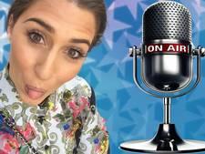 Xelly Cabau van Kasbergen is verslaafd aan karaoke