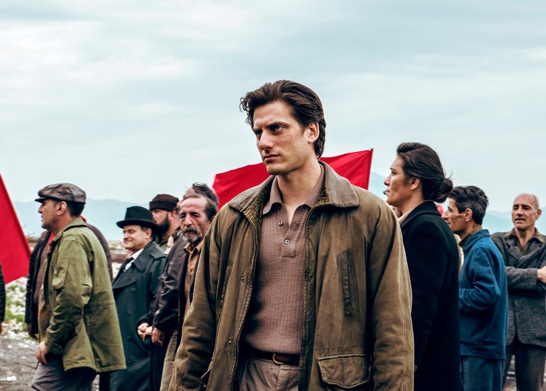 De bekroonde Italiaanse acteur Luca Marinelli als titelheld Martin Eden.