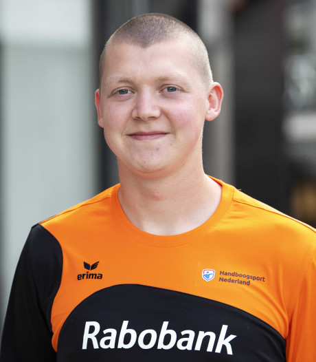 'Koning' Van den Berg schiet zich in spijkerbroek onverwachts naar toernooiwinst