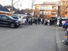 Politie bekogeld met appels bij bromfietscontrole in Almelo