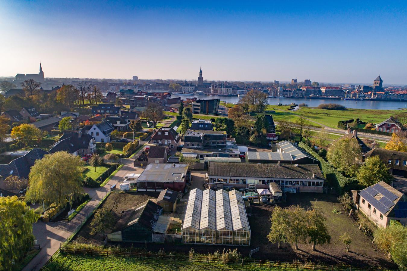 De plek aan de Blekerijweg in IJsselmuiden waar de wasserij stond. Hier is de bodemvervuiling ontstaan.