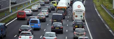 Linkerrijstrook dicht op A58 bij Ulvenhout door ongeluk