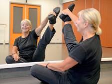 Ballerina (71) uit Borne danst weer dankzij nieuwe heupen: 'Kan alles, behalve spagaat'