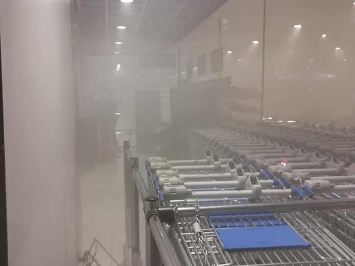 Veel rook in de Edese supermarkt.
