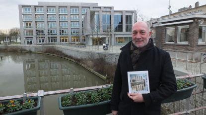 Luc C. Martens stopt na vijf jaar als stadsdichter