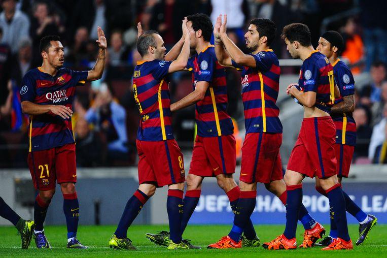 Barcelona staat met tien punten aan de leiding in groep E