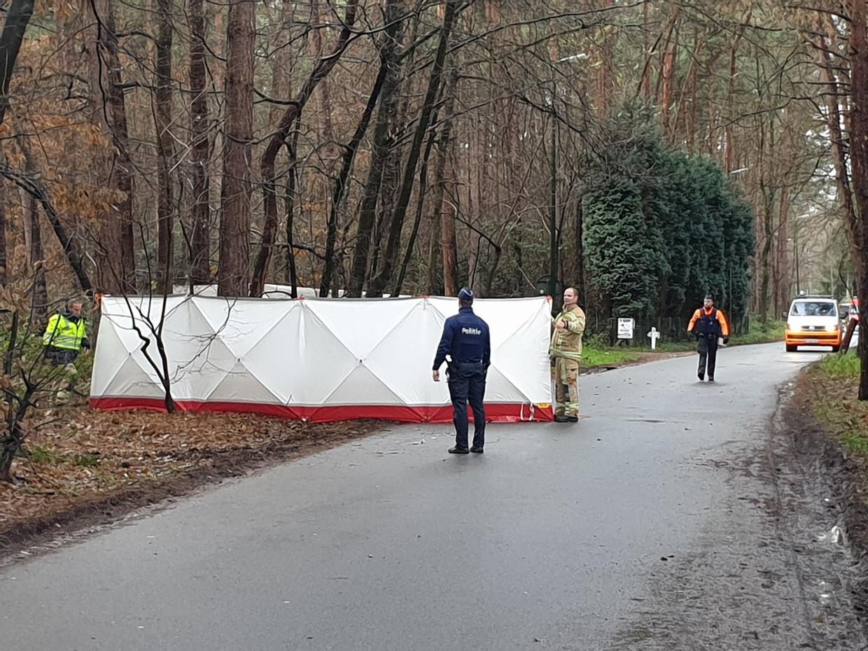 Aan de Molenbaan in Vorselaar vond een buurtbewoner een verongelukte fietser die slachtoffer werd van een ongeval met vluchtmisdrijf.
