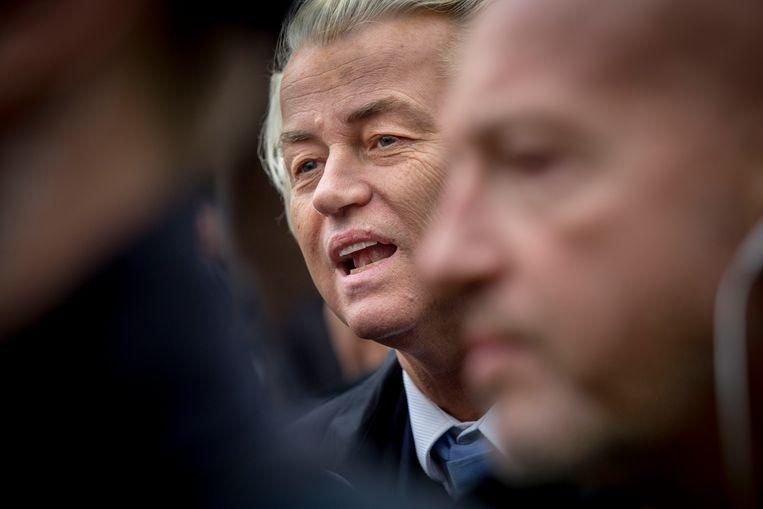 PVV-leider Geert Wilders  tijdens een bezoek aan de markt in Spijkenisse. Beeld Arie Kievit