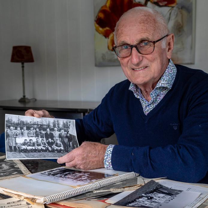 René van den Boom is een toppertje van RBC uit de jaren '60. Hij heeft veel plakboeken met oude foto's en krantenartikelen.